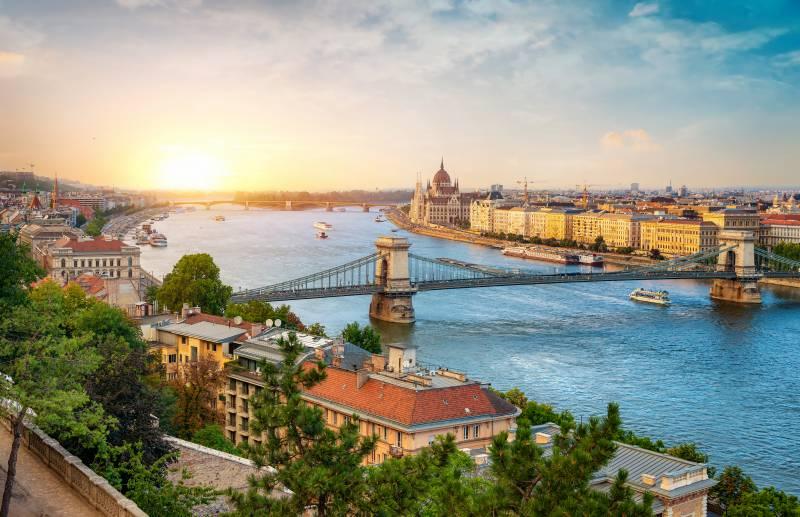 Budapest 54